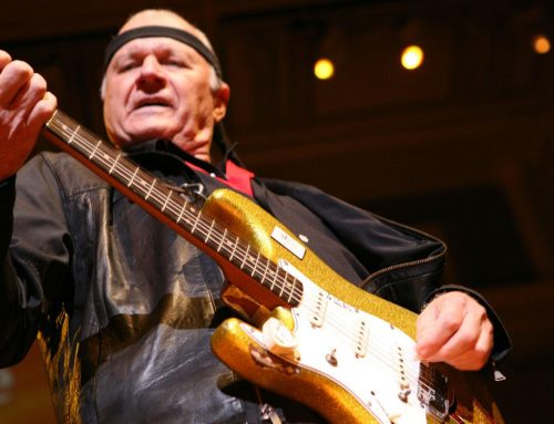 "Dick Dale criou a ""surf music"""
