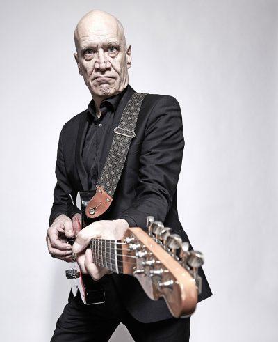 wilko johnson na guitarra